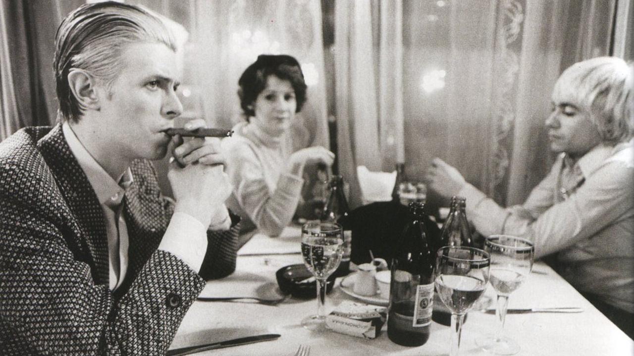 ตามรอย David Bowie ในเบอร์ลิน: ต้นกำเนิดอัลบั้มไตรภาคในตำนาน และรักลับที่ถูกลืม