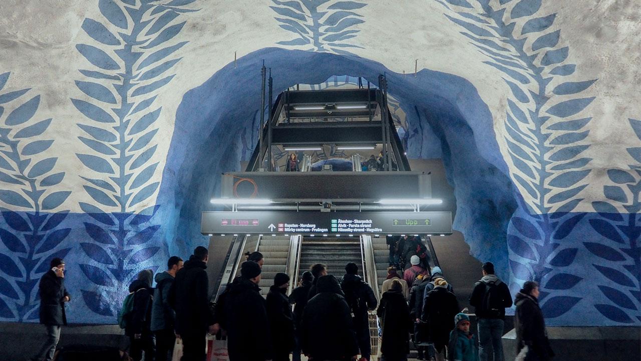 ทัวร์ศิลปะในสถานีรถไฟใต้ดินสตอกโฮล์ม สวีเดน