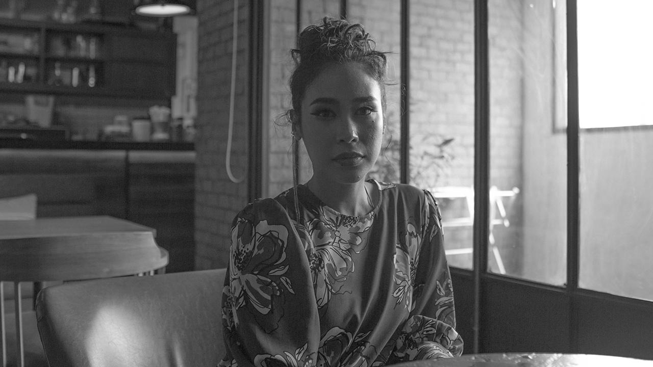 คุยกับ ทราย เจริญปุระ : บทบาทนางนาก กับการเป็นหญิงที่ 'สมบูรณ์'