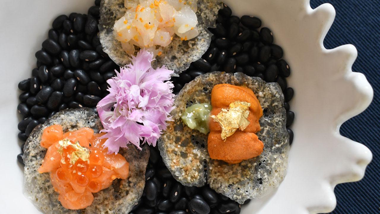 การเดินทางผ่านเส้นสีของสายรุ้ง บนมื้ออาหารเย็นในควอเตอร์ที่สามของ Quarter.Conceptual Dining