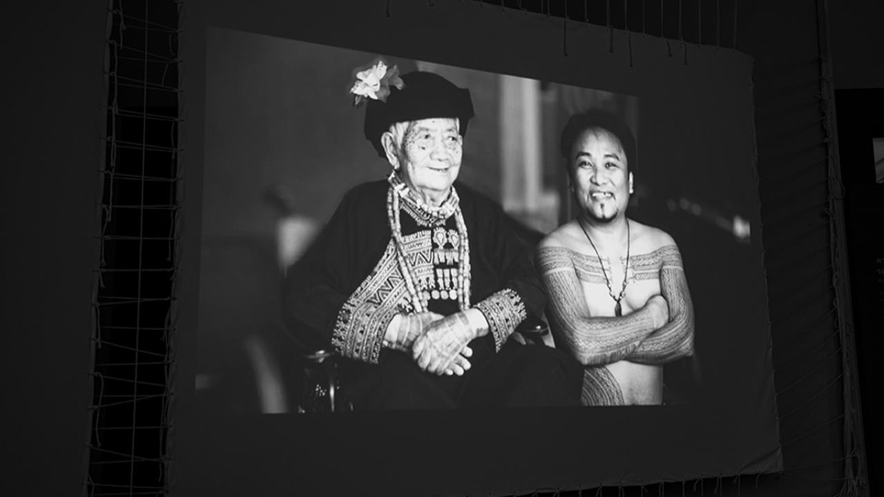 มองความสัมพันธ์ของรัฐกับชนเผ่าในไต้หวัน (ที่แนบแน่นกว่าไทย) ผ่านนิทรรศการ 'สักสี สักศรี'