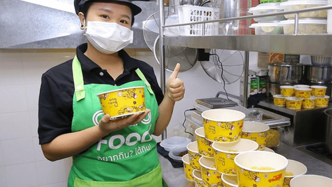แกร็บเปิด 'แกร็บคิทเช่น' แห่งแรกกลางตลาดสามย่าน ดึง 12 ร้านอาหารมาไว้ที่เดียว พร้อมส่งในระยะ 8 กิโลเมตร